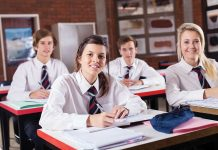 Uniforma – identitatea elevului și a școlii