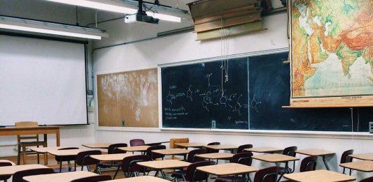 Nimic pentru/despre profesori