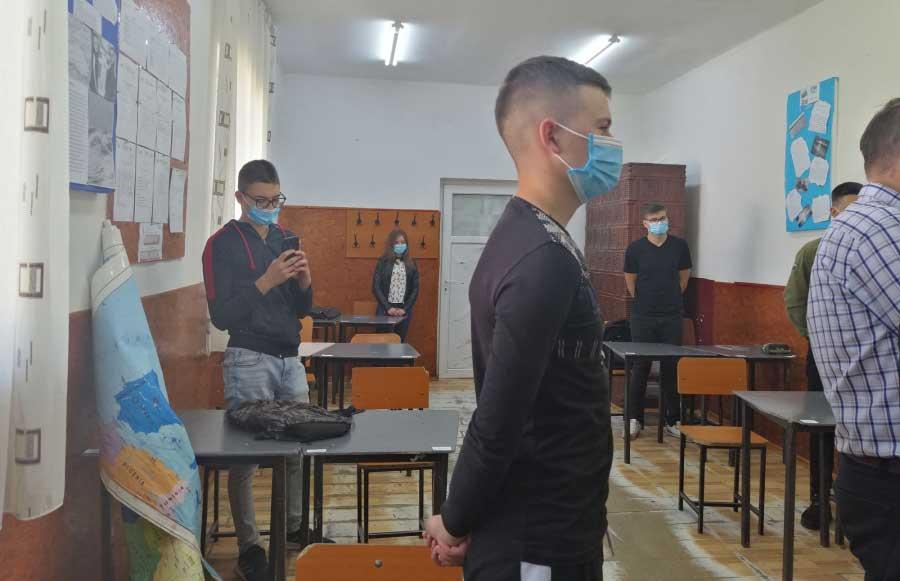 Partenerii de dialog social ai autorităților solicită clarificări privind siguranța activității din învățământ