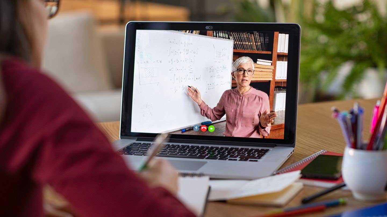 Profesor în Online - programul național de formare a competențelor de predare digitală pentru cadrele didactice