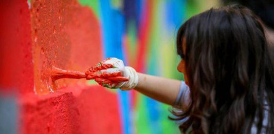 Concurs de pictură pe zidurile complexului studențesc din Timișoara