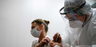 Angajații din Educație vor avea prioritate la vaccinarea anti-COVID