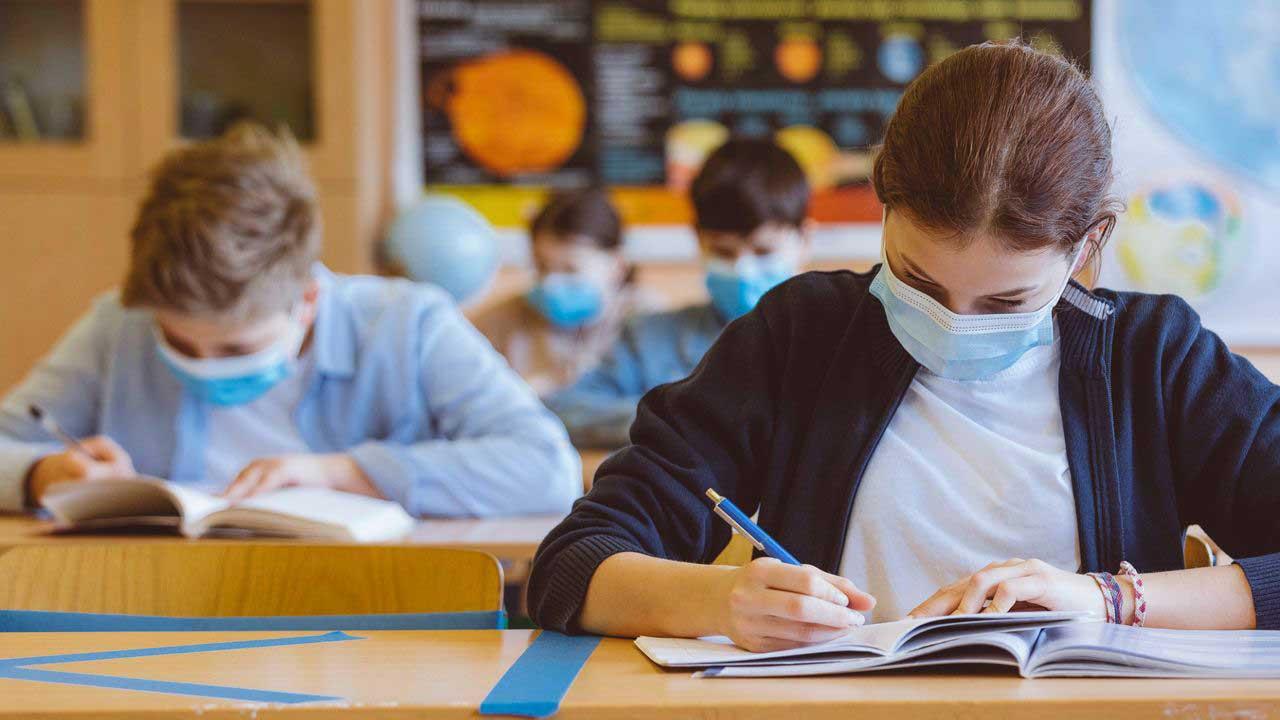 În plină pandemie, Ministerul Educației înființează centre de excelență în fiecare județ din țară și în București
