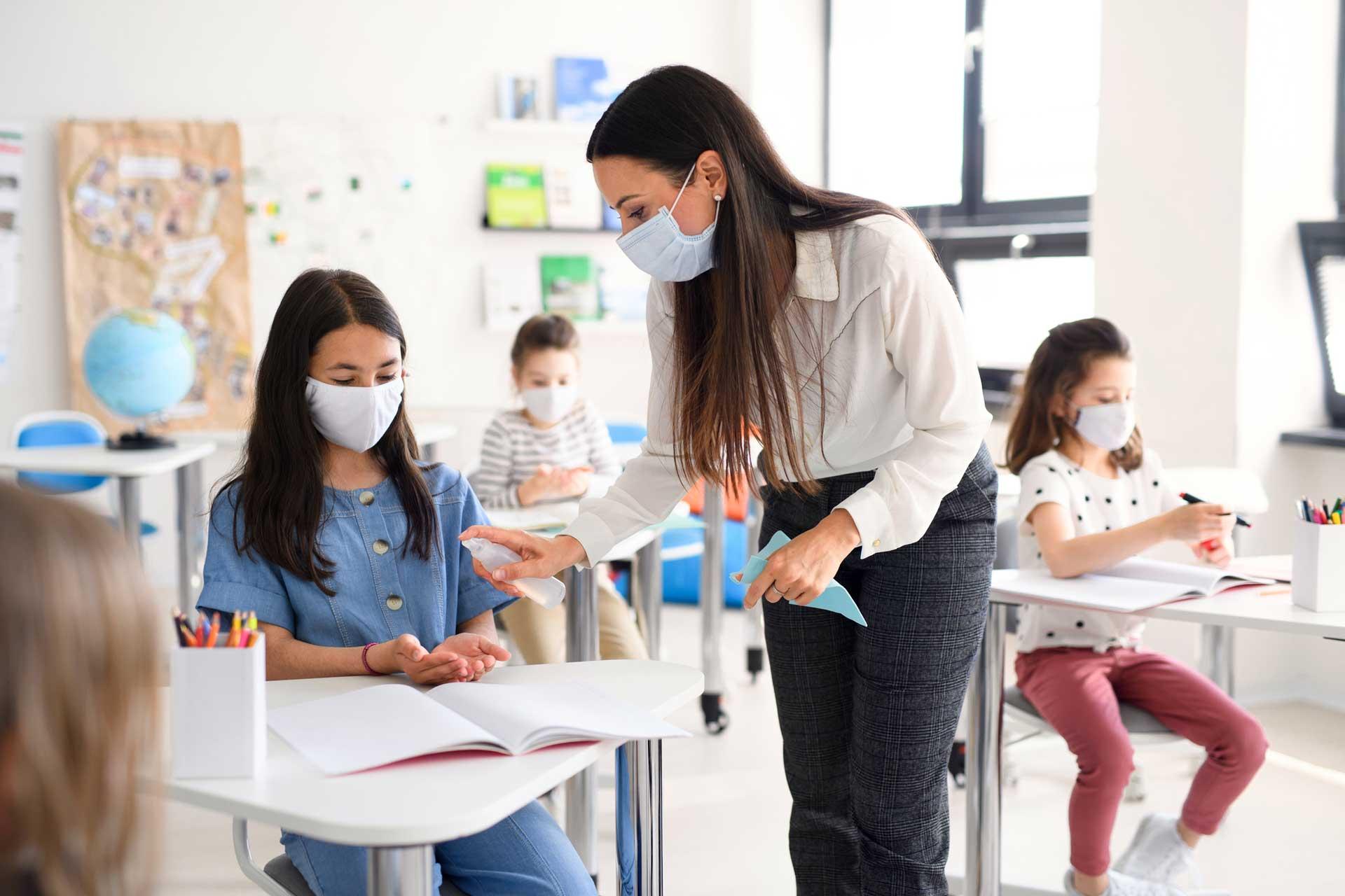 Profesorii ar putea pierde stimulentele pentru risc de expunere la pericolul de contaminare cu coronavirus