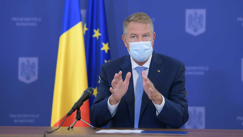 """Klaus Iohannis întoarce în Parlament legea privind accesul elevilor la orele de """"educație sexuală"""""""