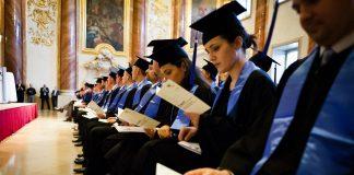 Cele mai multe înscrieri din România la cea mai mare universitate de business din Europa