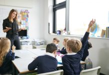 Modele pedagogice de instruire care valorifică teoriile învățării de tip constructivist