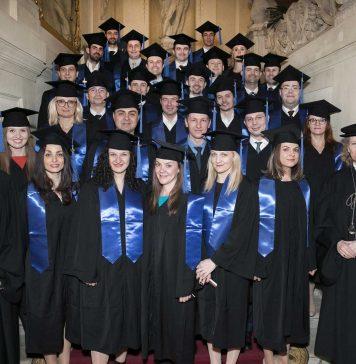 Burse la singurul program MBA din România cu triplă acreditare internațională