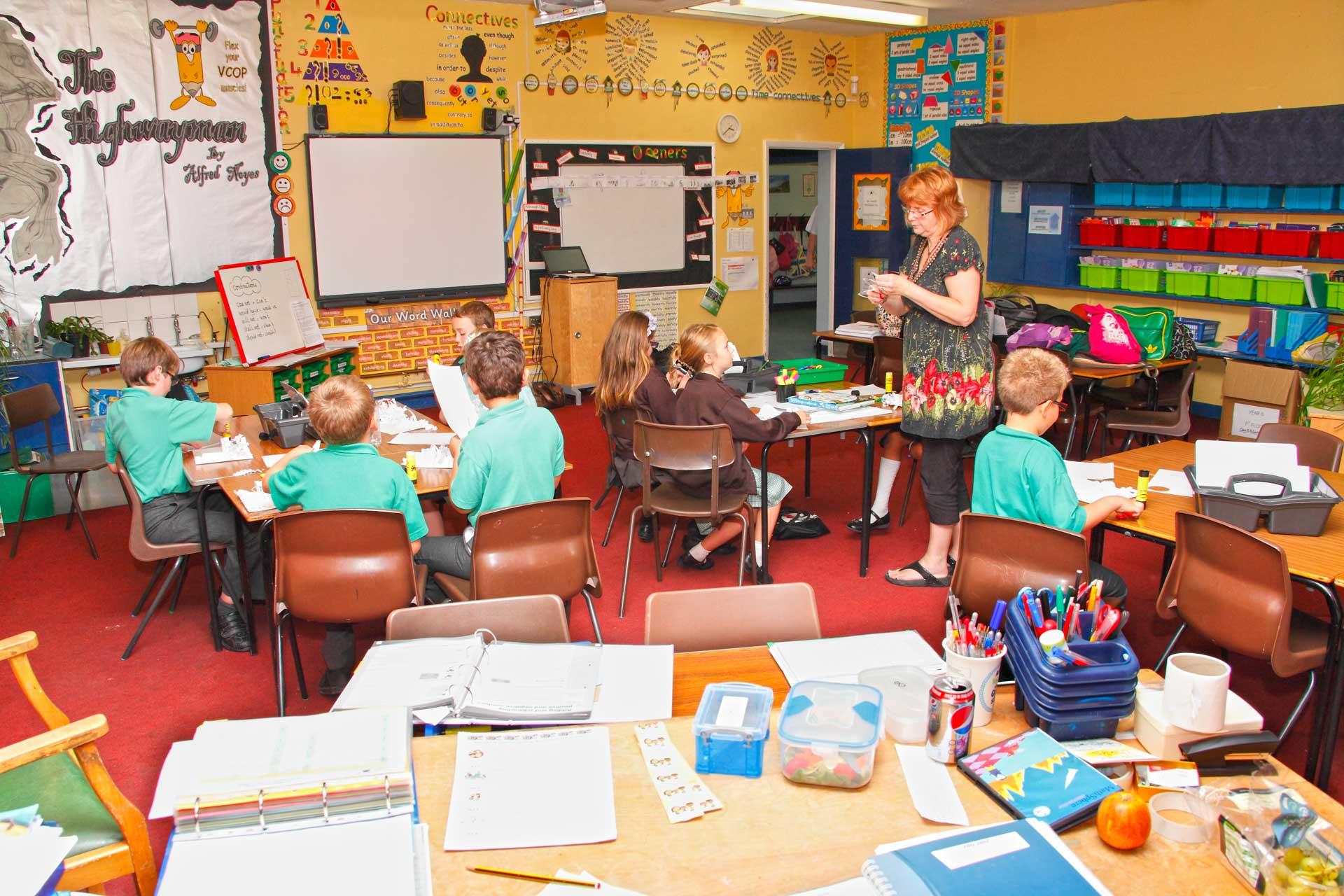 Elevii din Franța revin la școală